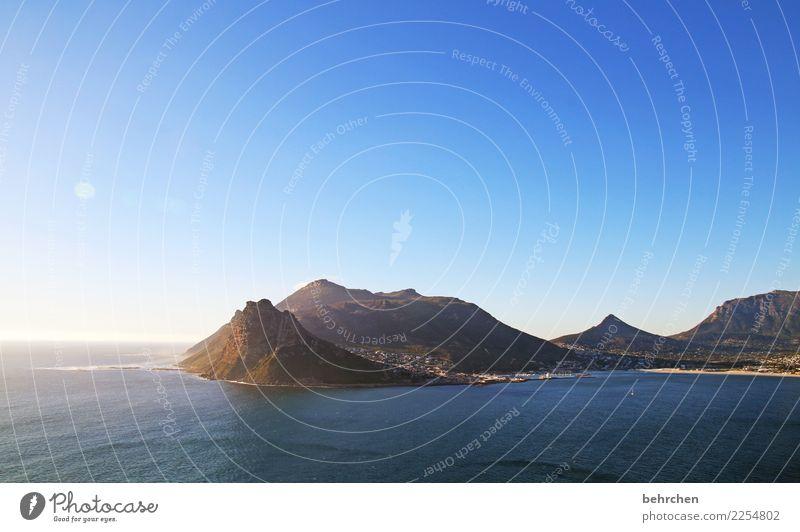 wenn der tag zu ende geht Himmel Ferien & Urlaub & Reisen schön Wasser Landschaft Meer Ferne Strand Berge u. Gebirge Küste außergewöhnlich Tourismus Freiheit
