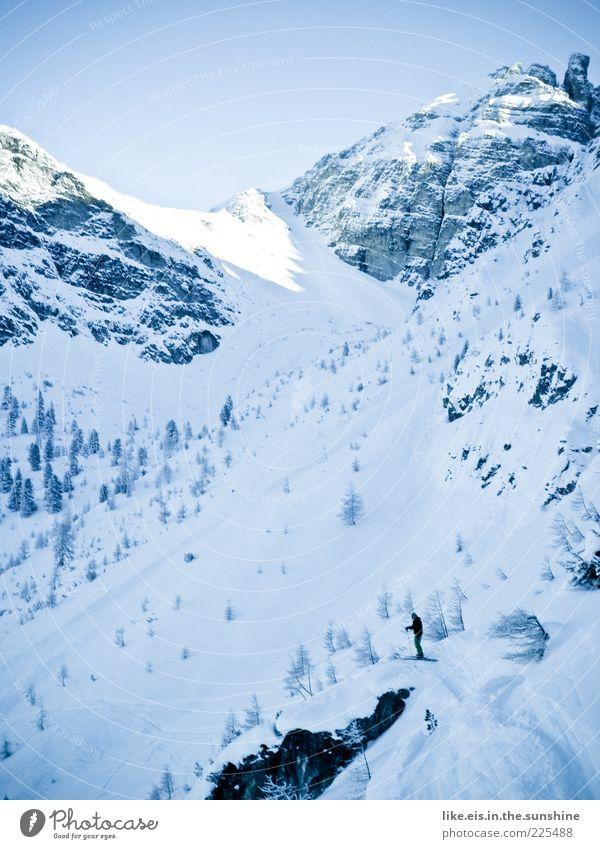 vorfreude vom feinsten**** Ausflug Abenteuer Winter Schnee Winterurlaub Berge u. Gebirge maskulin androgyn Mann Erwachsene 1 Mensch Alpen Gipfel
