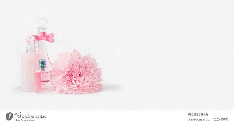 Pastellrosa Kosmetikflaschen mit schönen Blumen kaufen elegant Stil Design Körperpflege Parfum Creme Gesundheit Wellness Spa Feste & Feiern Rose Blatt Blüte