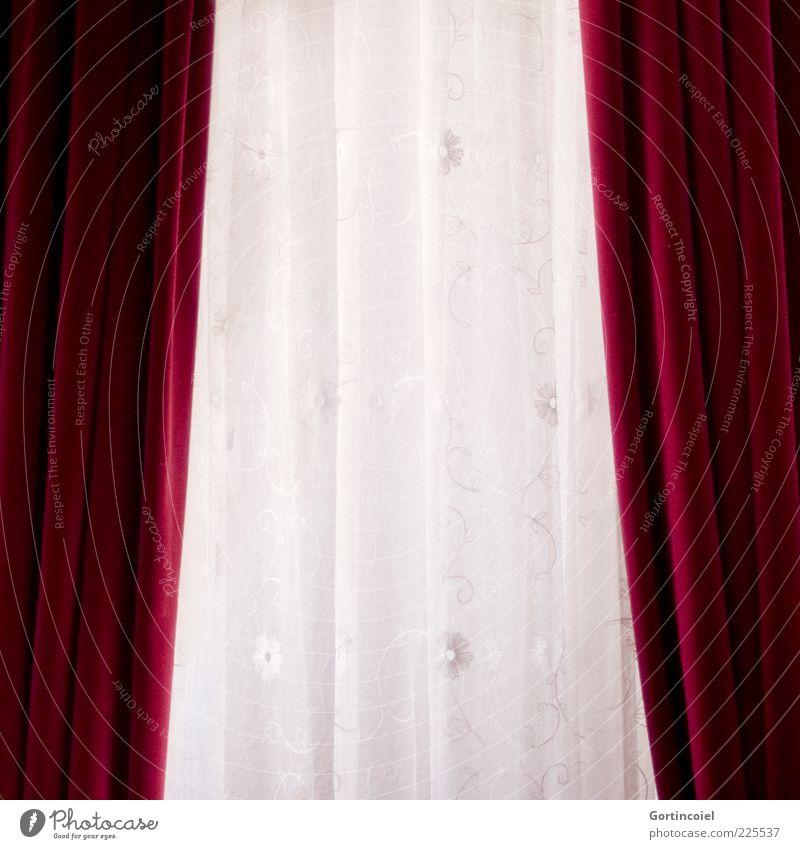 Ausblick weiß rot Vorhang Gardine altmodisch Samt Stoffmuster