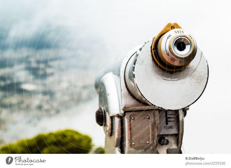 Durch den Nebel. Ferien & Urlaub & Reisen Tourismus Sightseeing Teleskop beobachten entdecken Ferne Italien Sizilien Fernglas Nebelschleier Farbfoto