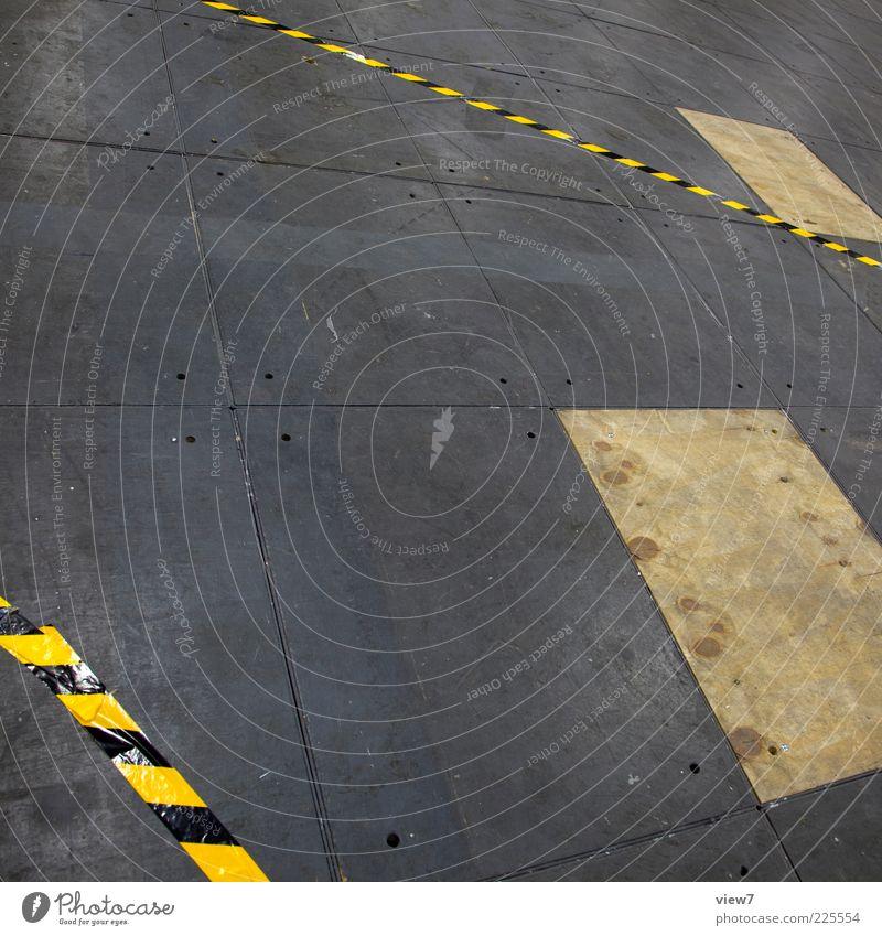 attenion alt Ferne gelb Linie geschlossen modern ästhetisch frisch Perspektive Boden Bodenbelag Streifen rein Grafik u. Illustration Barriere Zerstörung