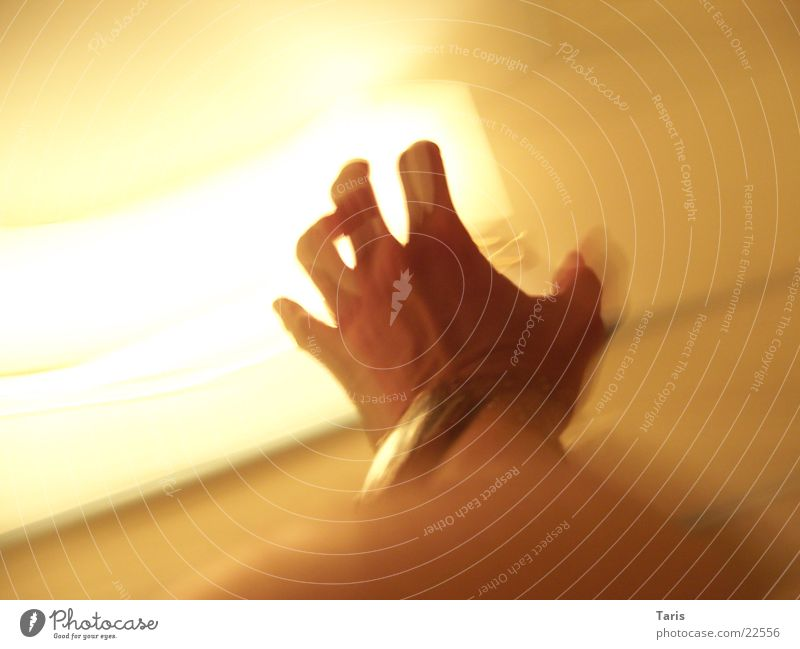 Screaming Hand I Lampe Geschwindigkeit lang schreien laufen Langzeitbelichtung fangen Angst Unschärfe