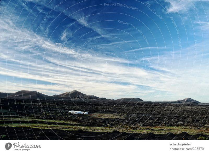 Lanzarote - La Geria Natur weiß blau Ferien & Urlaub & Reisen Wolken Berge u. Gebirge Landschaft Insel Tourismus Reisefotografie Vulkan Kanaren Ferienhaus
