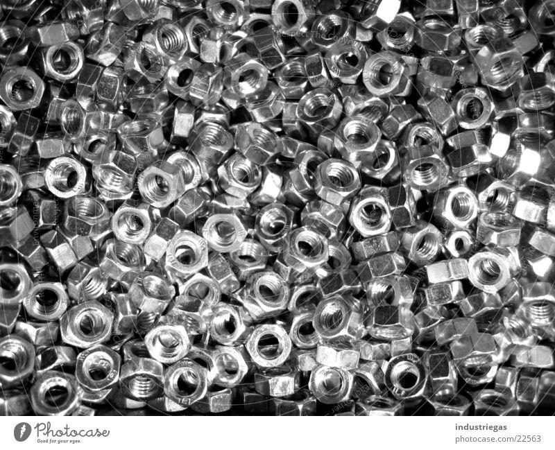 Muttern glänzend Werkzeug Industrie Schraube Drehgewinde Schwarzweißfoto