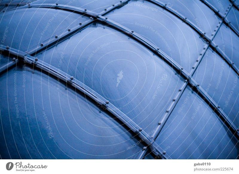 Raumstation Wasser blau schwarz kalt Fenster Architektur Gebäude Metall Linie modern rund außergewöhnlich Bauwerk Kunststoff