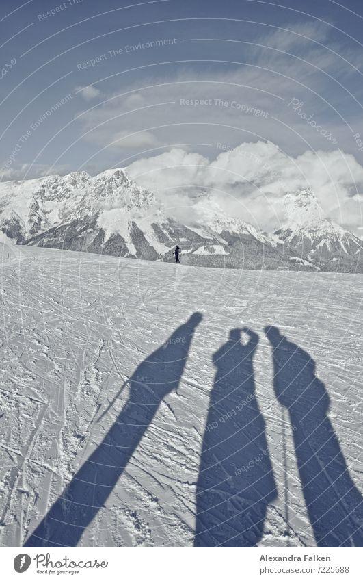 Ski heil. Mensch Himmel Natur Landschaft Wolken Ferne Winter kalt Berge u. Gebirge Umwelt Leben Schnee Sport Freizeit & Hobby Ausflug Klima