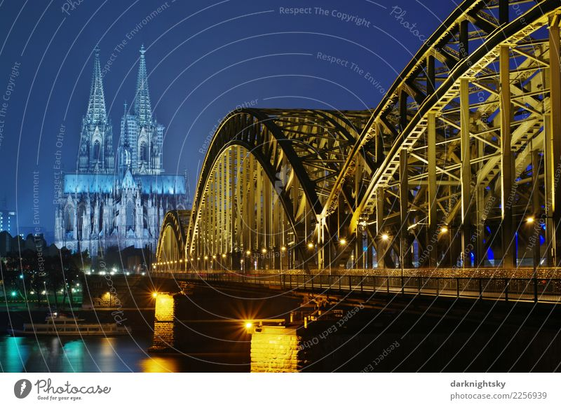 Cologne Night Sightseeing Wasser Wolkenloser Himmel Nachthimmel Köln Kölner Dom Hohenzollernbrücke Deutschland Europäer Stadt Hafenstadt Altstadt Skyline