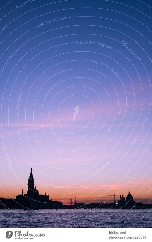 Dämmerung in Venedig Himmel Wasser schön Stadt Ferien & Urlaub & Reisen Meer Wolken Ferne Erholung Architektur Küste elegant ästhetisch Kirche Turm Romantik