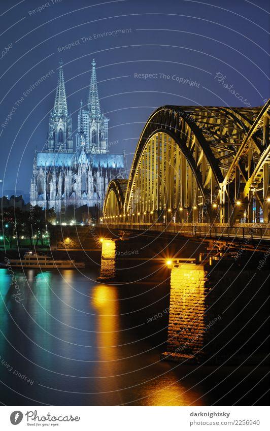 Cologne Night Vertical blau Sommer Stadt grün Wasser gelb Gebäude Stimmung gold Europa Romantik Brücke Fluss Sehenswürdigkeit Bundesadler Bauwerk