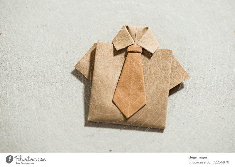 Hemdorigami über Weiß kaufen Stil Design Dekoration & Verzierung Business Mann Erwachsene Kunst Bekleidung Kleid Stoff Krawatte Papier weiß Origami vereinzelt