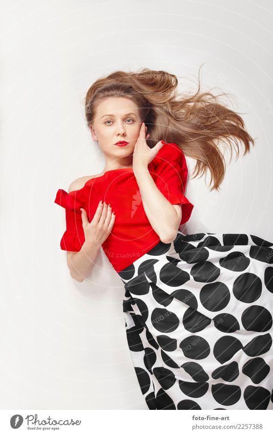Fashion Fotografie rote Bluse und Kleid Lifestyle Reichtum elegant Stil schön Haare & Frisuren Haut Gesicht Kosmetik Parfum Schminke Lippenstift feminin