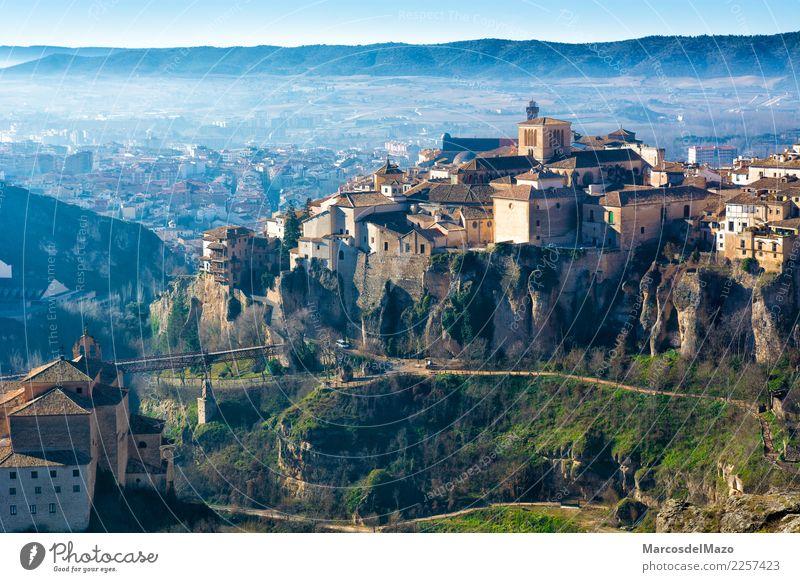 Ansicht der alten Stadt von Cuenca mit hängenden Häusern, Spanien Ferien & Urlaub & Reisen Landschaft Haus Architektur Gebäude Tourismus Fassade Kirche