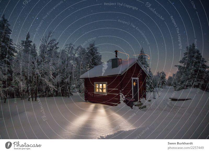 Winter Wunder Land in Schweden Abenteuer Ferne Freiheit Expedition Schnee Winterurlaub wandern Häusliches Leben Haus Traumhaus Umwelt Landschaft Urelemente