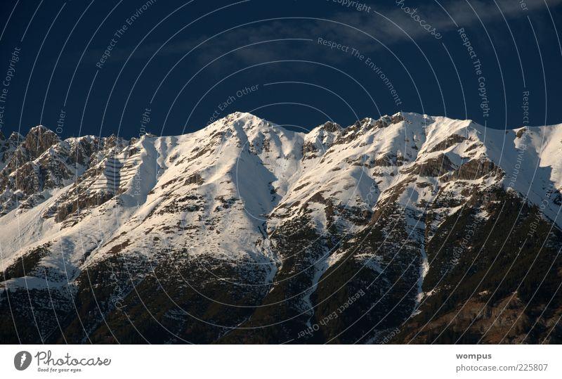 Innsbrucker Nordkette im Winter Natur Landschaft Himmel Schönes Wetter Schnee Felsen Alpen Berge u. Gebirge Gipfel Schneebedeckte Gipfel blau grau weiß Farbfoto