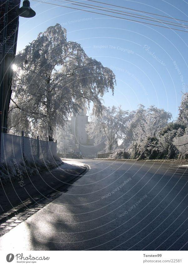 Winterglauben Verkehr Frost Schneelandschaft Raureif Schattenspiel