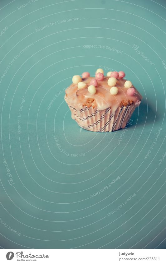 Ein Törtchen für euch blau klein rosa Ernährung Lebensmittel Dekoration & Verzierung süß Kitsch Kugel Süßwaren lecker Kuchen Backwaren Teigwaren Zucker