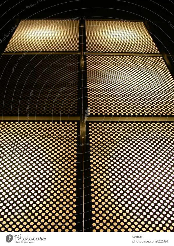 Lichtsteg Steg Lampe Lochblech Brücke Beleuchtung