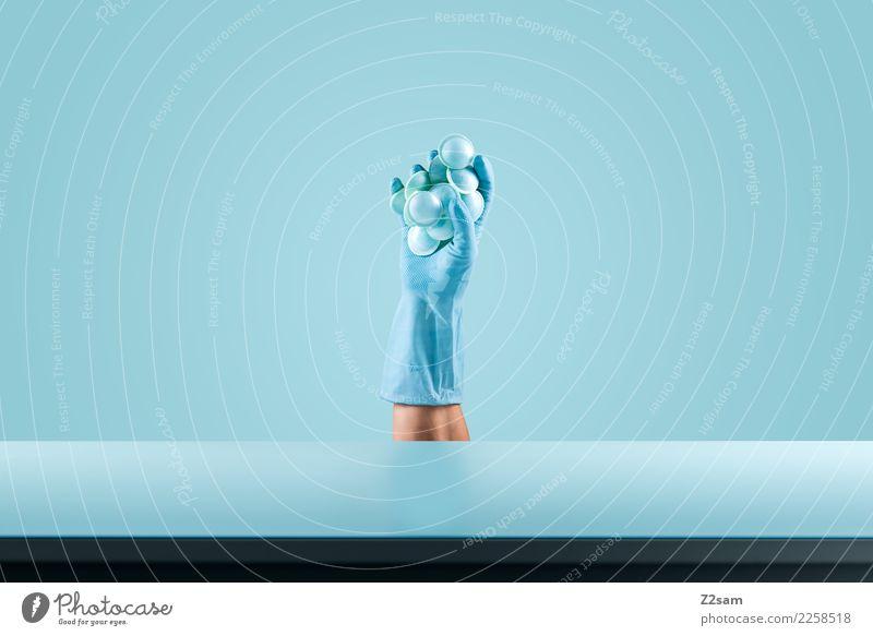 Still Life / Blue Süßwaren Ernährung elegant festhalten ästhetisch Coolness einfach frisch kalt modern blau Design Farbe Mode Stillleben Hand stoppen UFO