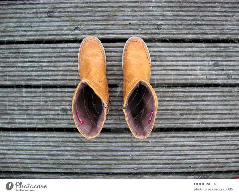 Gelbe Stiefel Freude ruhig gelb Erholung Stil Stimmung Mode lustig braun Zufriedenheit laufen Design frei authentisch außergewöhnlich Lifestyle