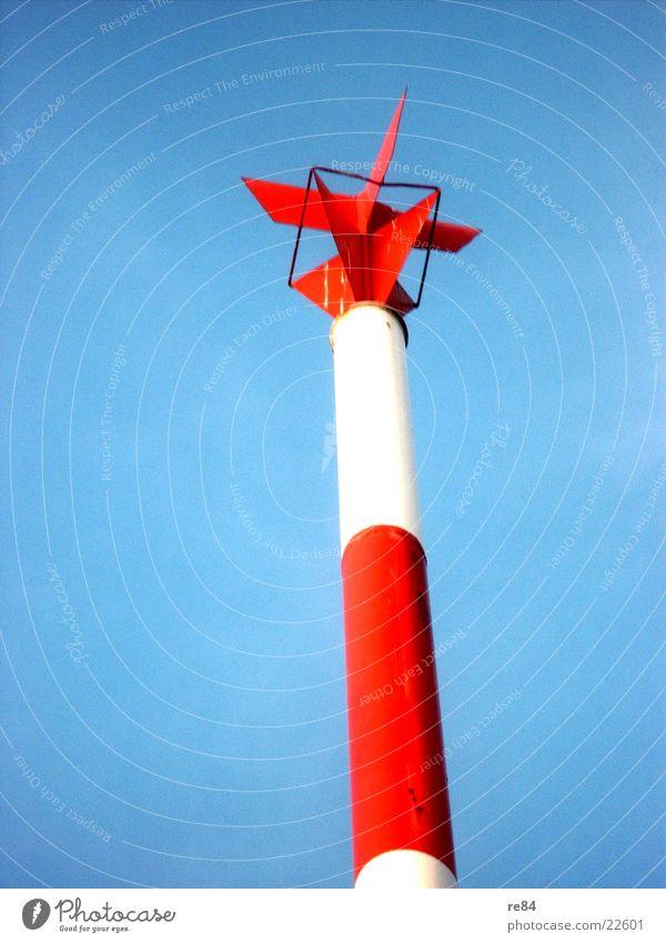 Die Nordsee lässt grüßen rot weiß Stab Wasserfahrzeug Dinge Rhein Himmel Balken