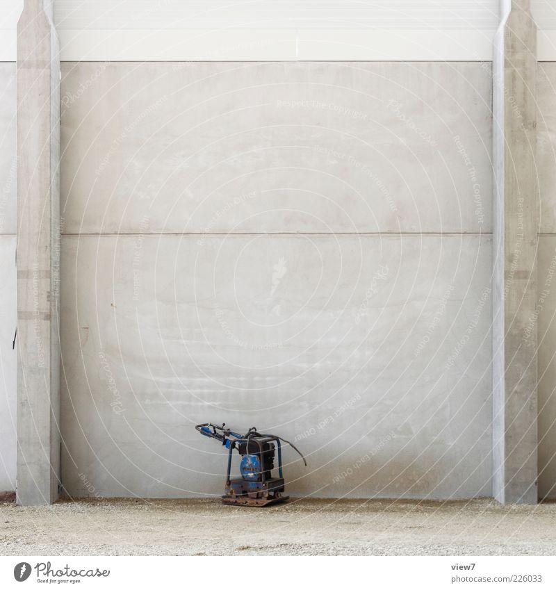 hässliches entlein Ferne Wand Mauer klein Linie Fassade Beton Ordnung ästhetisch Streifen Baustelle Ende rein Dienstleistungsgewerbe Maschine Werkzeug