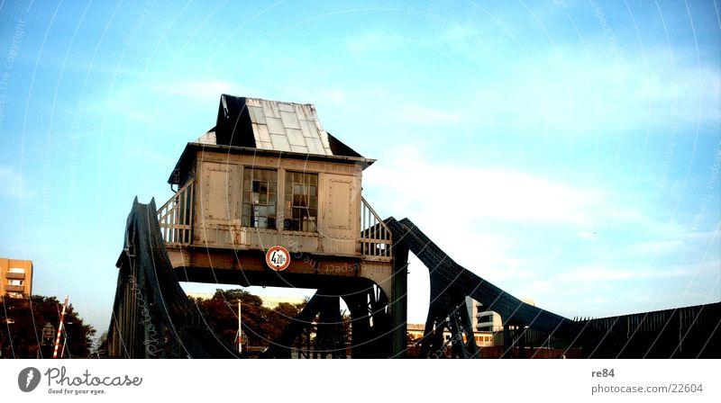 Drehbrücke zu Köln alt Himmel Haus Brücke Stahl Rost Eisen
