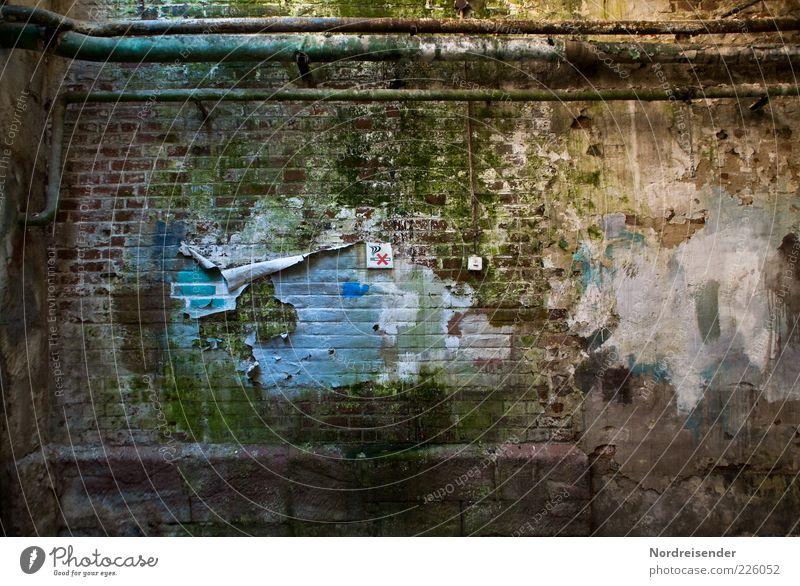 Wer sieht das Böckchen alt dunkel Wand Architektur Mauer Gebäude Arbeit & Erwerbstätigkeit Zeit dreckig nass Schilder & Markierungen Schriftzeichen bedrohlich
