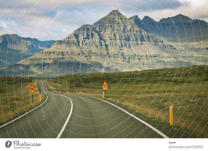 Vorfreude Natur Ferien & Urlaub & Reisen Wolken Ferne Straße Wiese Berge u. Gebirge Freiheit Umwelt Landschaft Wege & Pfade natürlich Ziel außergewöhnlich