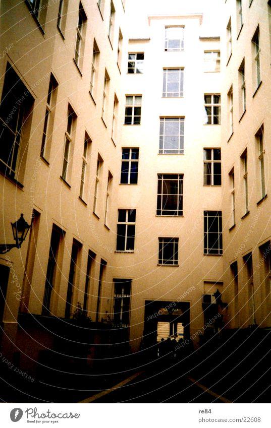 irgendwo in berlin Licht Fenster Architektur Berlin Häckischen Höfe Bauernhof