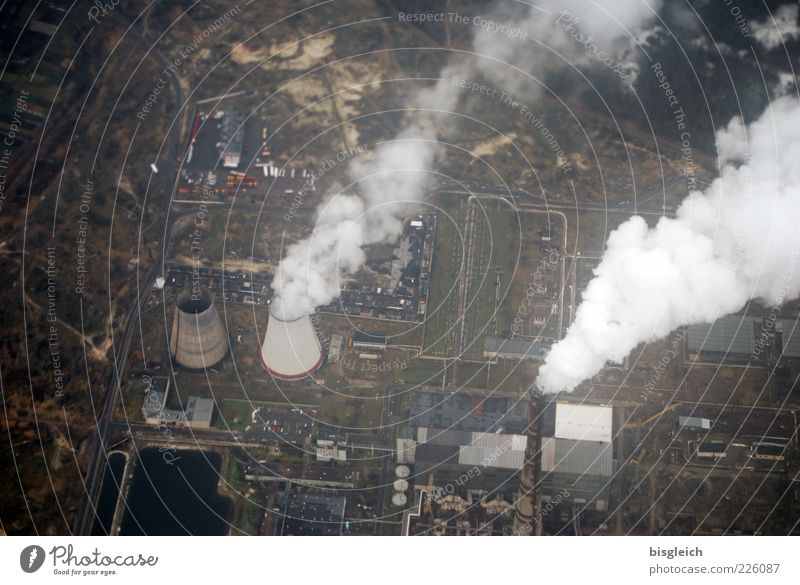 Kraftwerk Umwelt braun dreckig Energiewirtschaft Industrie Europa Fabrik Rauch Abgas Schornstein Industrieanlage Stromkraftwerke Umweltverschmutzung