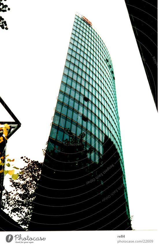 am sonycenter 1 Himmel Berlin Architektur Glas hoch modern Hochhaus Potsdamer Platz Sony Center Berlin