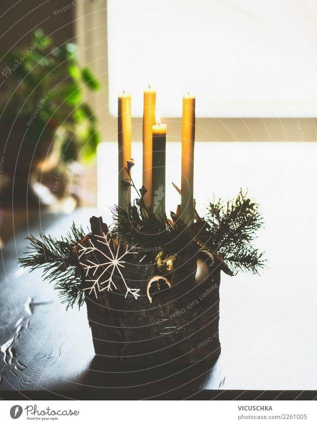 Adventskranz auf dem Tisch Weihnachten & Advent Haus Winter Fenster Lifestyle Stil Feste & Feiern Design Häusliches Leben Wohnung leuchten