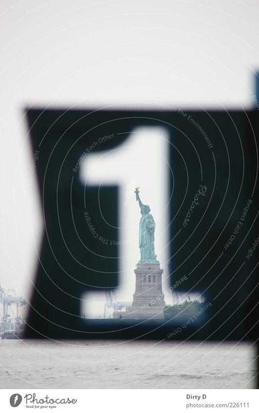 Miss Liberty No. 1 alt grün schwarz feminin Architektur elegant groß USA Denkmal Bauwerk historisch Skulptur Wahrzeichen