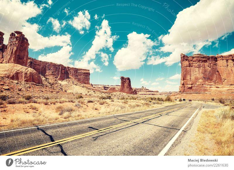 Himmel Natur Ferien & Urlaub & Reisen Sommer Landschaft Sonne Straße Tourismus Freiheit Ausflug Abenteuer USA Fahrradtour Sommerurlaub Asphalt Wüste