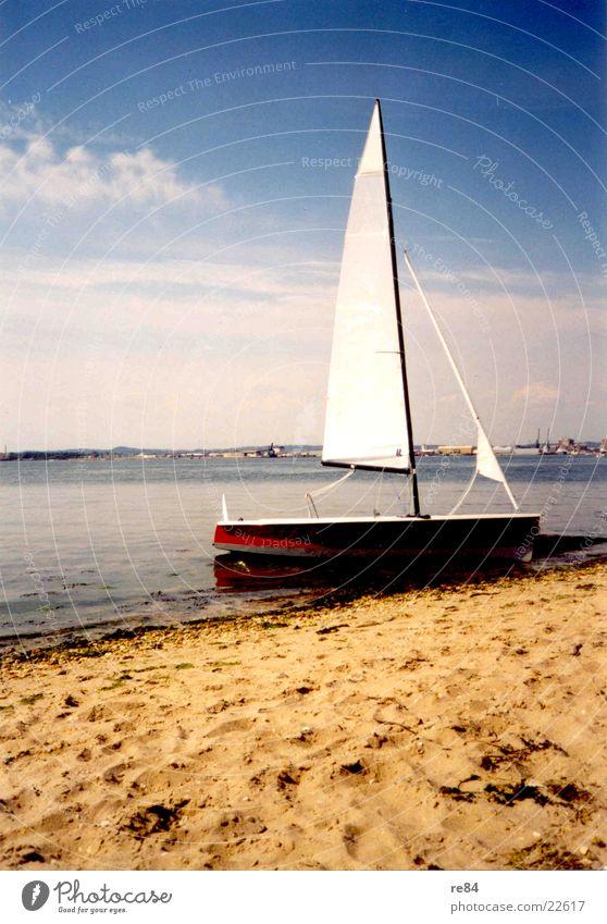 Segeln am Strand in England Wasser Sonne Einsamkeit Sport Romantik