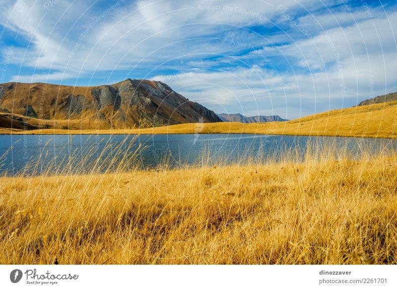 Schwarzer Rock Lake, Lagodekhi, Georgia Natur Ferien & Urlaub & Reisen blau schön Landschaft Sonne Berge u. Gebirge Umwelt Herbst Wiese natürlich Gras Tourismus