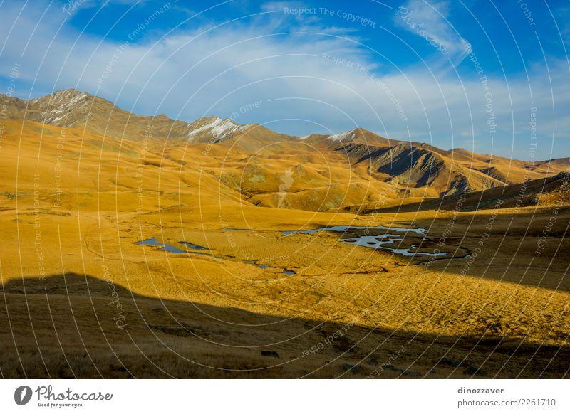 Seen im Herbst, Lagodekhi, Georgia Natur Ferien & Urlaub & Reisen blau schön Landschaft Sonne Berge u. Gebirge Umwelt Wiese natürlich Gras Tourismus Felsen