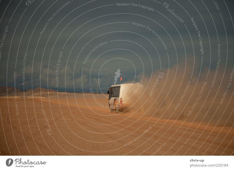 Und Action... Natur Ferien & Urlaub & Reisen Wolken Ferne Freiheit Berge u. Gebirge Umwelt Landschaft Sand Wege & Pfade Wärme Ausflug Abenteuer Tourismus Verkehr Geschwindigkeit
