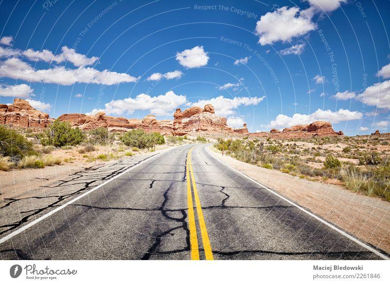 Szenische Straße, Bögen Nationalpark, Utah, USA. Himmel Natur Ferien & Urlaub & Reisen blau Sommer schön Landschaft Wege & Pfade Freiheit Ausflug Abenteuer