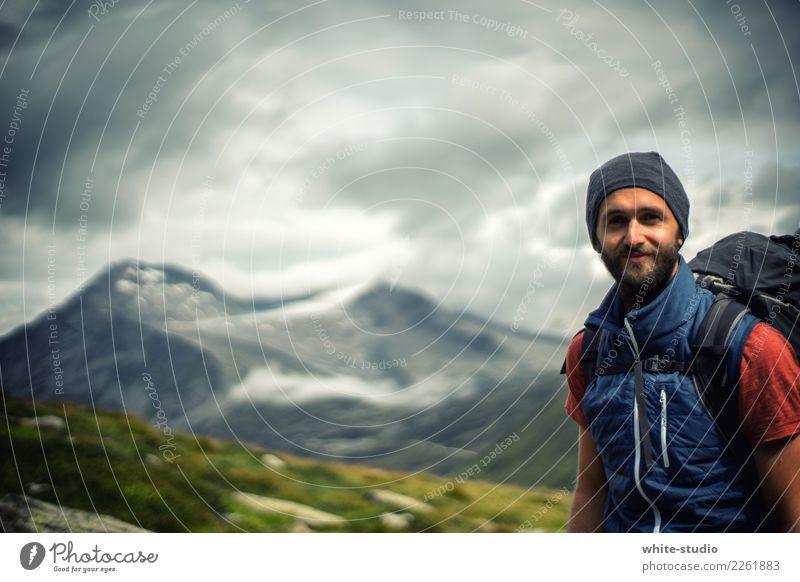 Hello nature! Mensch Ferien & Urlaub & Reisen Jugendliche Mann Junger Mann Einsamkeit Ferne Berge u. Gebirge 18-30 Jahre Erwachsene Tourismus Freiheit Felsen