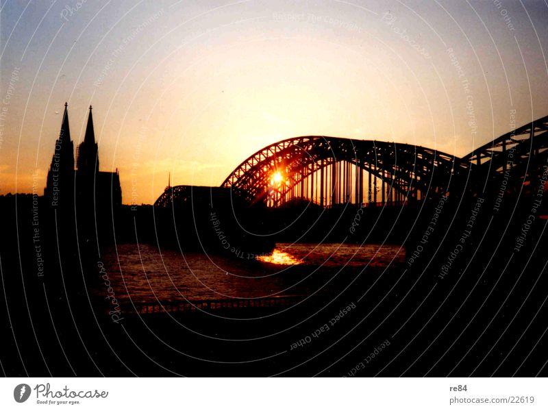 Kölner Sonennuntergang 2003 Himmel Sonne Farbe Brücke Aussicht Köln Dom Rhein