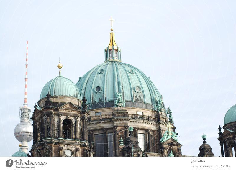 his home Berlin Berliner Fernsehturm Hauptstadt Skyline Kirche Dom Turm Bauwerk Gebäude Architektur Dach Sehenswürdigkeit Wahrzeichen hell ästhetisch Kultur