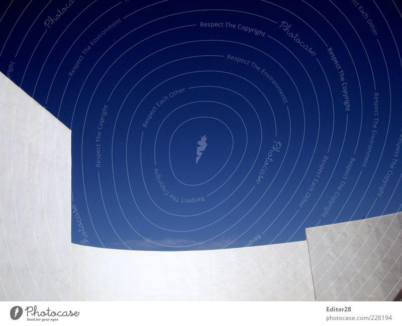 Patio Himmel weiß blau Wand Mauer Fassade Schönes Wetter Wolkenloser Himmel