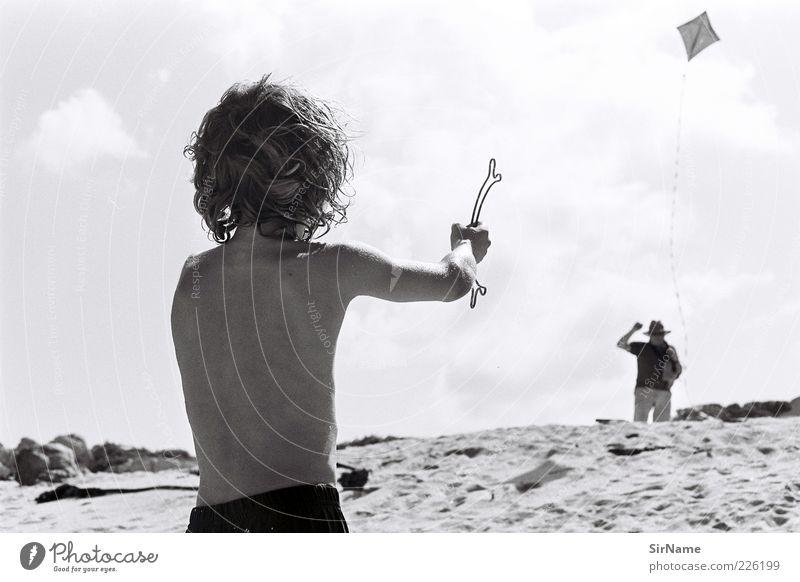 138 [Kindheitsträume] Freizeit & Hobby Spielen Kinderspiel Ferien & Urlaub & Reisen Sommerurlaub Strand Drachenfliegen Kindererziehung maskulin Junge 2 Mensch