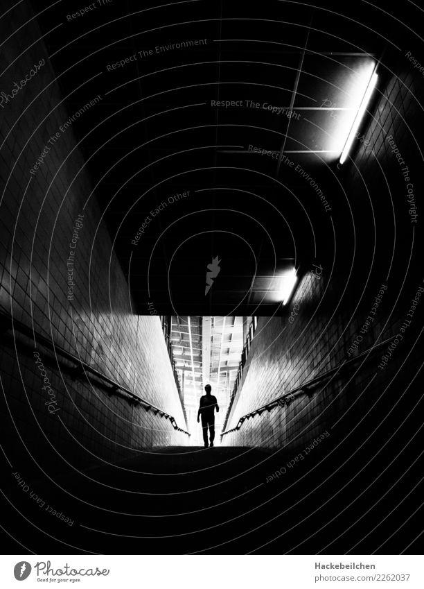 the intruder Lifestyle Nachtleben Mensch maskulin feminin Frau Erwachsene Mann Körper 1 Stadt Stadtzentrum Industrieanlage Bahnhof Tunnel Architektur