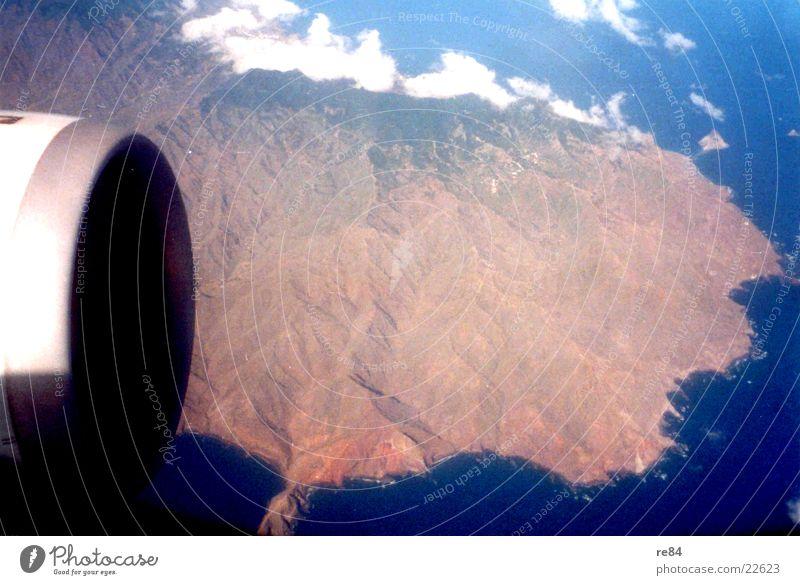 Aus der Sicht eines Passagiers Himmel Wolken Berge u. Gebirge Flugzeug Vulkan Triebwerke Teneriffa