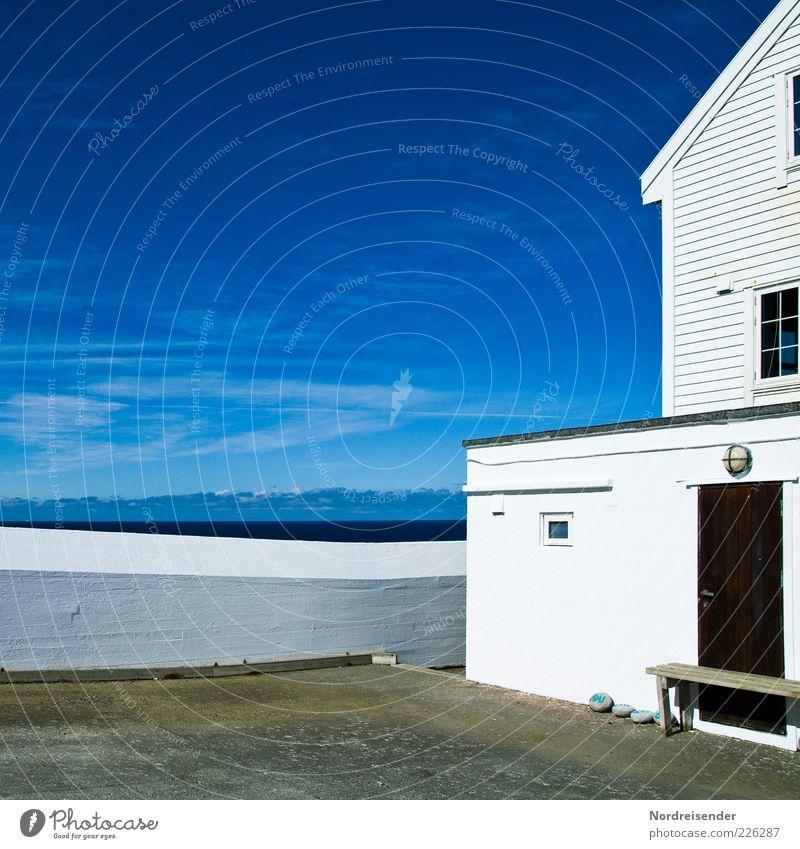 Sommer Himmel weiß Meer ruhig Haus Ferne Wand Architektur Mauer Küste Stimmung hell Tür Horizont Fassade