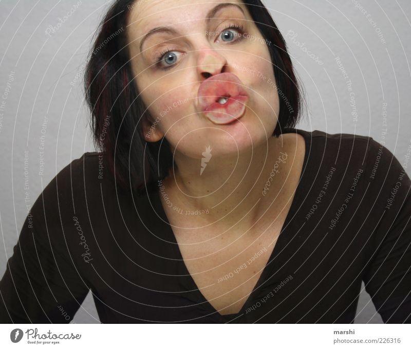 knutsch mich! Frau Mensch Freude Erwachsene Gesicht feminin Gefühle Kopf Stil lustig Mund Lippen Küssen feucht Verliebtheit anstrengen