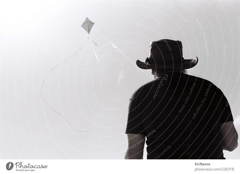 144 [Drachenflieger] Mensch Mann Sonne Freude ruhig Erholung Erwachsene Ferne Spielen natürlich fliegen Wind authentisch groß warten Coolness